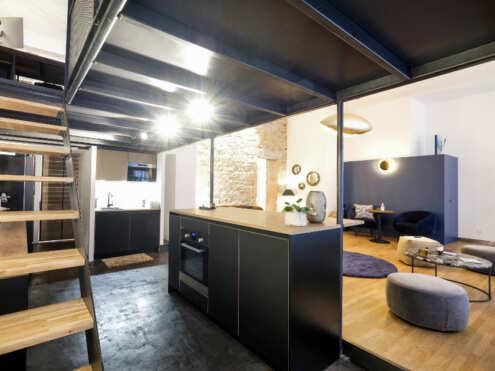 l'espace cuisine/bar du papillon bleu lieu evenementiel lyon